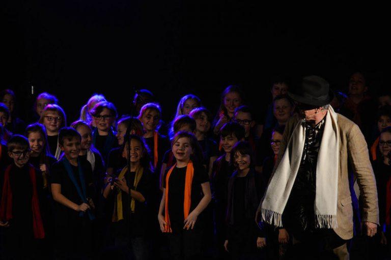 Concert du chanteur pour enfants Raphy Rafaël à l'école Bonne Esperance