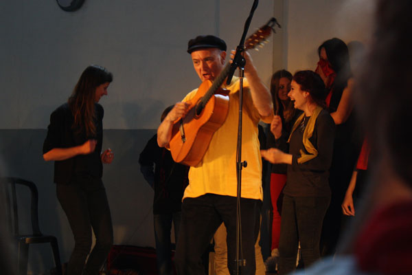 Atelier de création de chansons avec des adolescents en Belgique